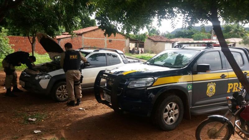 PRF recupera veículo roubado utilizado por ex-prefeito do Piauí