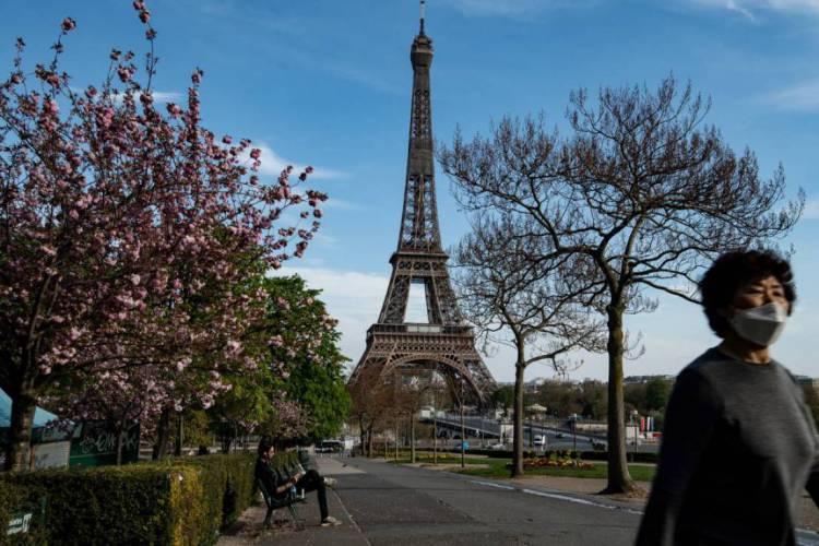 França disponibiliza número de WhatsApp para aprendizado gratuito de francês