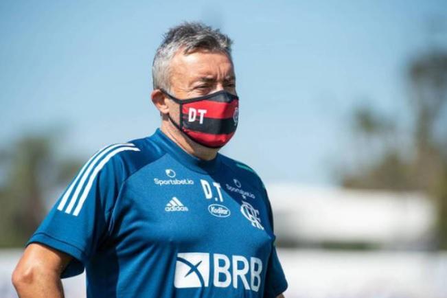 Domènec Torrent testa positivo para Covid-19; Flamengo chega a 18 casos