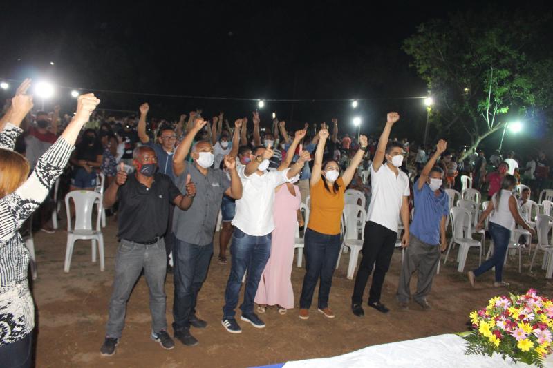 Multidão prestigia lançamento da pré-candidatura de Alexandre da Comunidade(PDT)