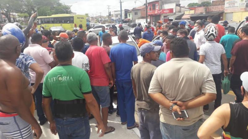 Vídeos: Homem é executado em frente ao quartel do CBM-MA em São Luís