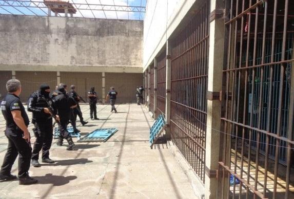 Esperantina vive clima de pânico após nova fuga em presídio