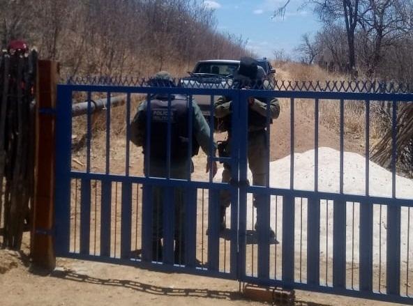 Agespisa identifica roubo de água em adutora no PI e aciona a polícia