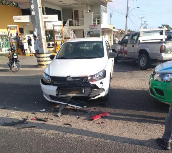 Motociclista fica ferido após colisão com carro em Parnaíba