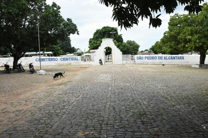 Ações de limpeza em Floriano chegam ao Cemitério Central e Centro de Zoonoses nesta quarta (14)