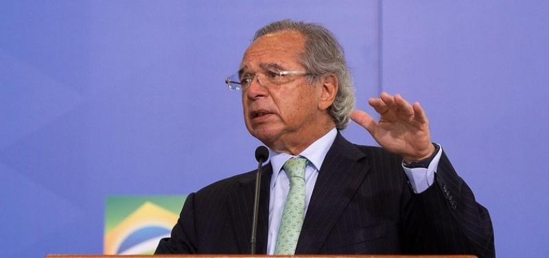 Guedes diz agora que o governo não vai usar o dinheiro do pagamento de dívidas para bancar o Renda Cidadã