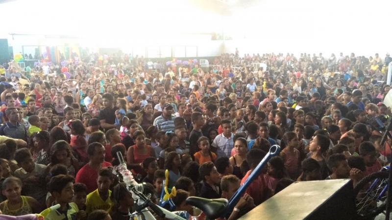 Prefeitura de Dermeval Lobão realiza festa das crianças