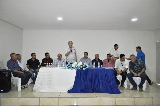 Prefeito de Avelino Lopes anuncia construção de praças e calçamento