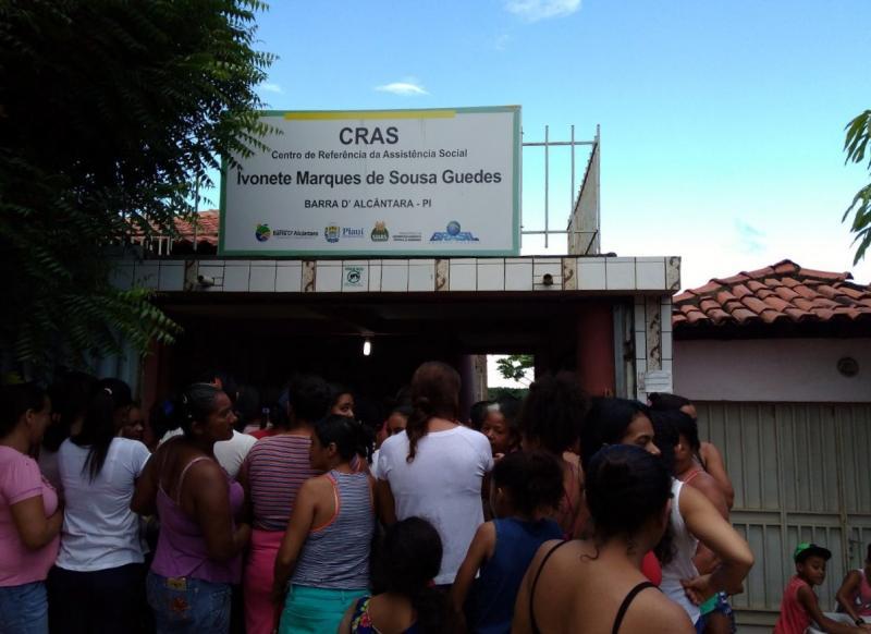 Secretaria de assistência social distribuiu peixes para 200 famílias em Barra D'Alcântara