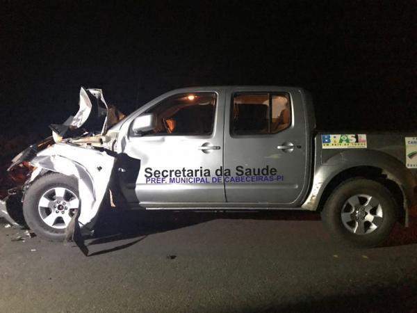 Veículo da Secretaria de Saúde de Cabeceiras se envolve em acidente na PI 113