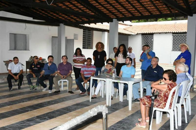 Joel Rodrigues participa de visita a obra do Floriano Clube