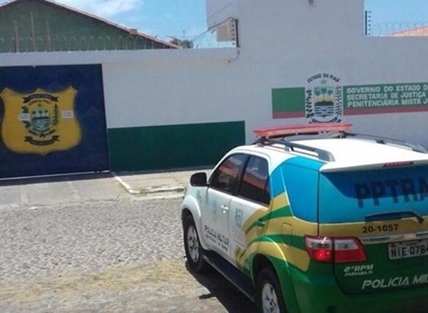 Detento atira contra policial militar e foge de penitenciária do Piauí