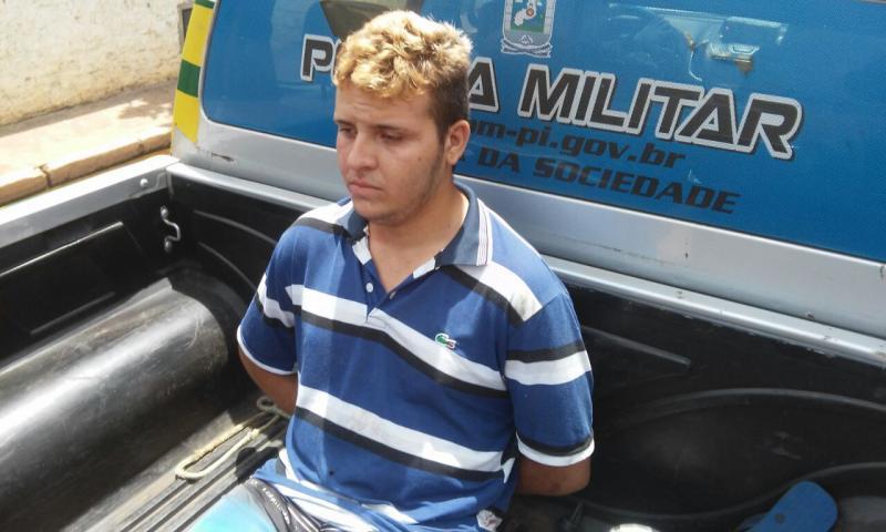 Homem é preso após tentar matar o padastro com golpes de facão no Piauí