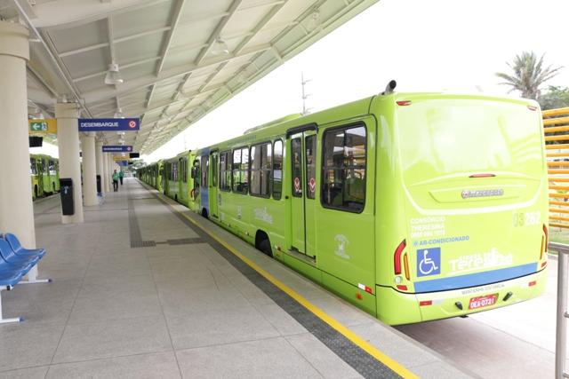 Strans reforça frota de ônibus para melhorar atendimento à população