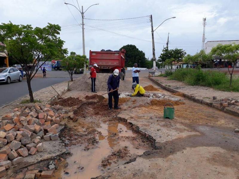 Secretaria de Infraestrutura intensifica ações de tapa-buracos e reparo de vias