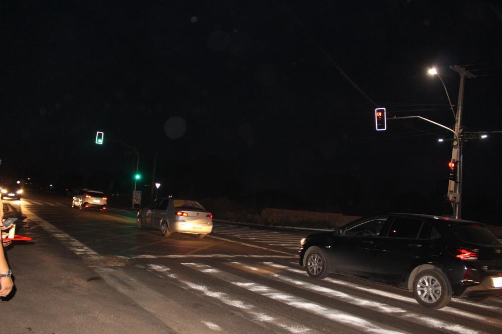 Semáforo garante segurança no cruzamento da Av. Piauí com BR 316 em Timon