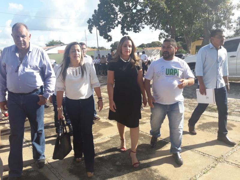 Secretária Rejane Dias inaugura sede da UAPI em Olho D'agua
