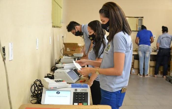 Servidores da 11ª zona eleitoral