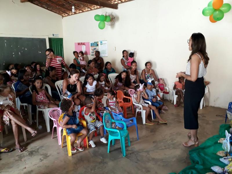 SEMAS entrega ovos de páscoa para crianças acompanhadas pelo Programa Criança Feliz