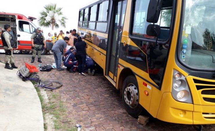 Mulher morre após esmagada por ônibus escolar no Piauí