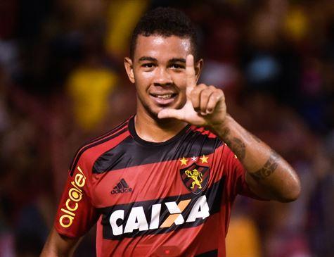Jogador piauiense é detido acusado de agredir a ex-noiva em Recife