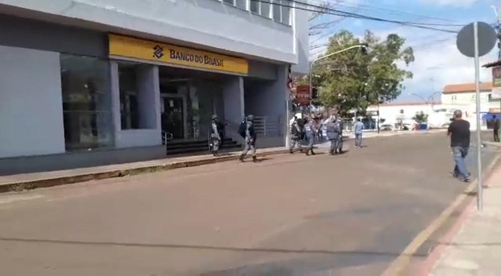 Agência do Banco do Brasil em Codó, onde o gerente ficou com explosivos ao corpo — Foto: Acélio Trindade
