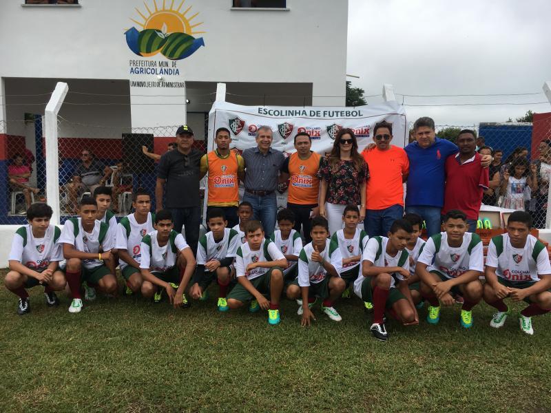 Prefeito de Agricolândia realiza abertura da Escolinha de Futebol do Fluminense
