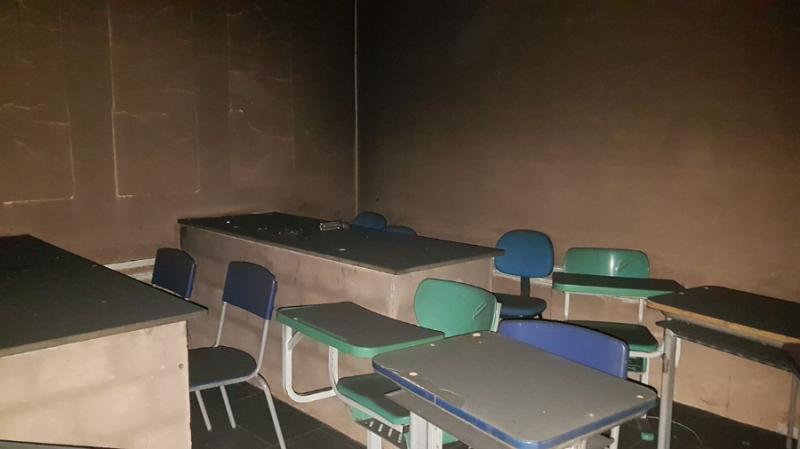 Sala de informatica é incendiada por criminosos em Lagoa do Piauí