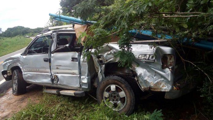 Empresário sofre acidente de carro na BR 135