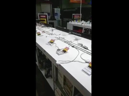 Criminosos fazem arrastão no supermercado Bompreço em Teresina