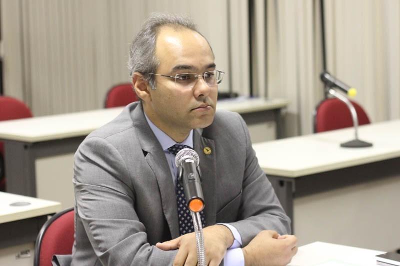 Deputado Firmino Paulo se desfilia do PSDB