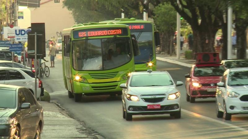 70% dos ônibus param de circular em Teresina nesta terça-feira