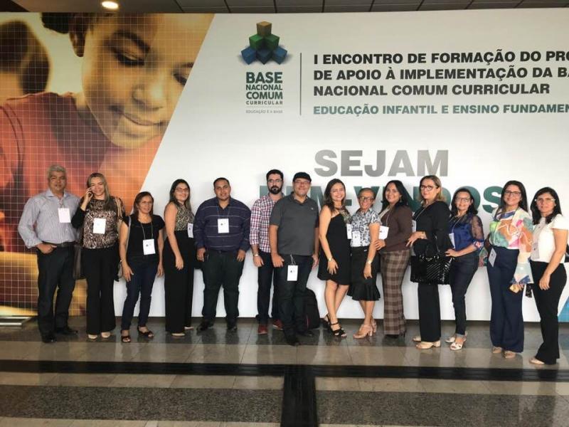 Gestores de Água Branca participam de encontro para implementação da nova Base Nacional Curricular
