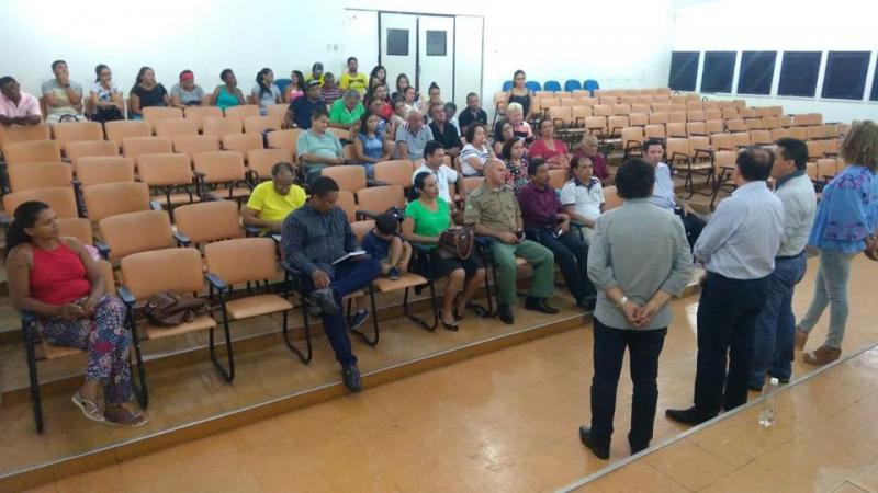 Reunião com ambulantes traça estratégias para revitalização da Rua São Pedro e Praça Coronel Borges