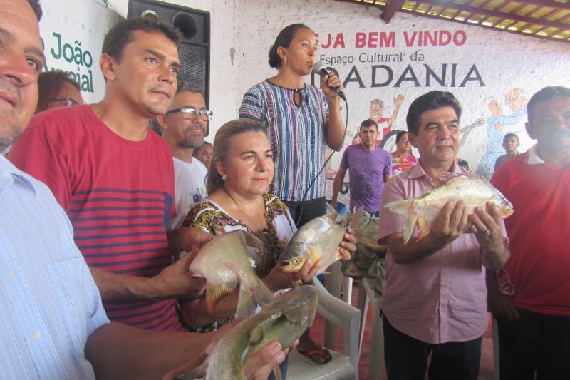 Prefeitura distribuiu cerca de 5 mil kg de peixes na semana santa em São João do Arraial