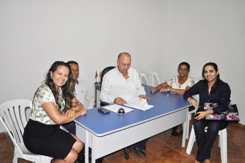 Prefeito de Avelino Lopes assegura mais recursos para a Assistência Social do município