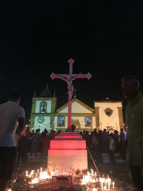 Centenário da Procissão do Fogaréu em Oeiras reúne cinco mil fiéis