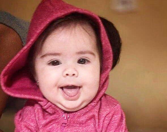 Antonella Gouveia é um bebê de 4 meses que sofre de um tipo raro de câncer ocular que afeta principalmente crianças menores de cinco anos.