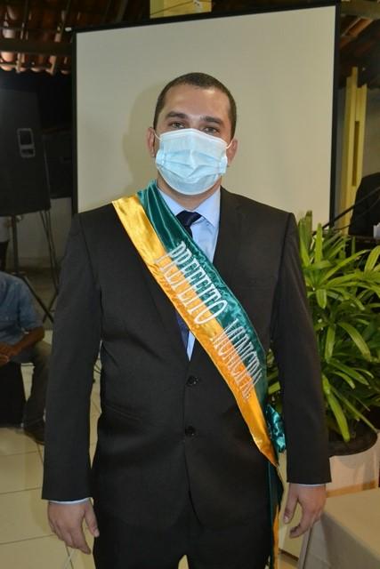Prefeito Márcio Moura faz discurso emocionado em sua posse