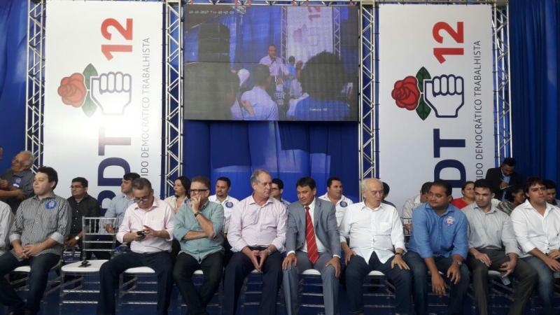 Ciro Gomes participa de convenção estadual do PDT