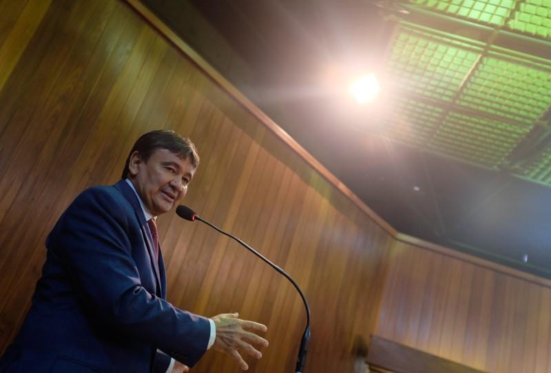 Governador extingue carreira de escrivão da Polícia Civil