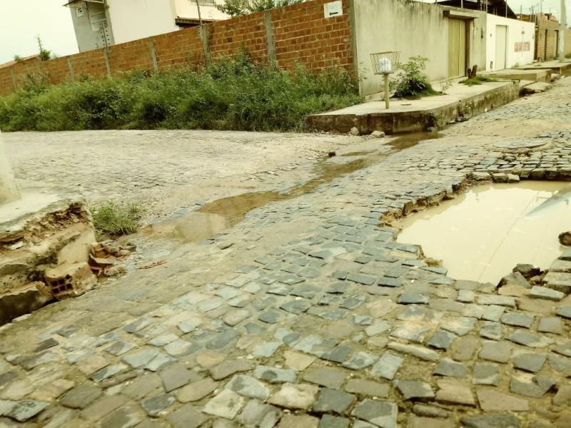 Dudu denuncia descaso nos bairros de Teresina e cobra explicações da prefeitura