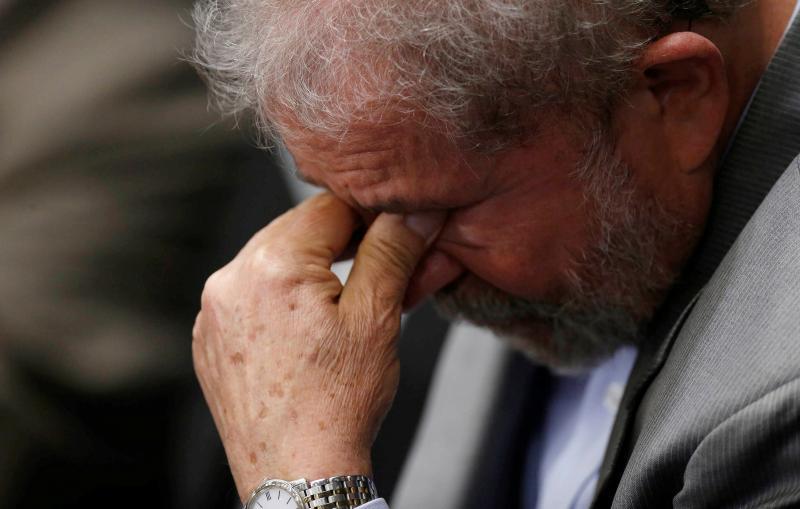 Lula admite que está fora das eleições após decisão do STF