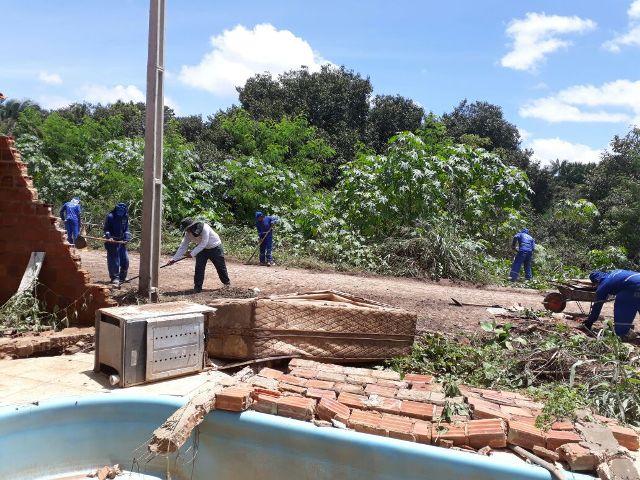 Prefeitura cadastra famílias atingidas pelas chuvas em ação assistencial