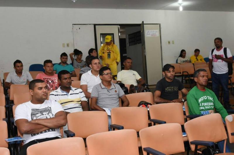 Sutran promove curso para mototaxistas de Floriano