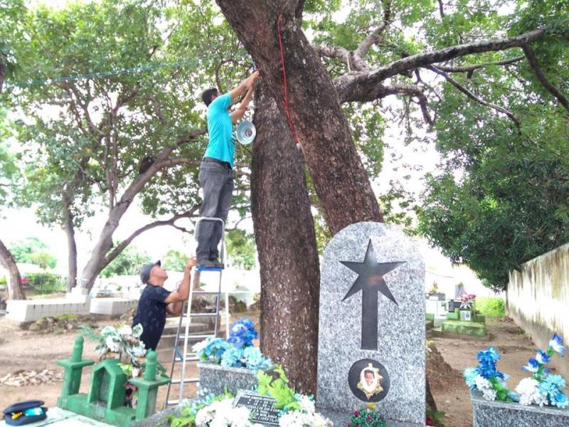 Lâmpadas instaladas pela prefeitura em cemitérios estão sendo alvo de vandalismo