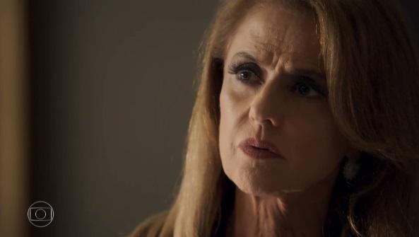 O Outro Lado do Paraíso: Sophia é pega em flagrante e pede socorro a Renato