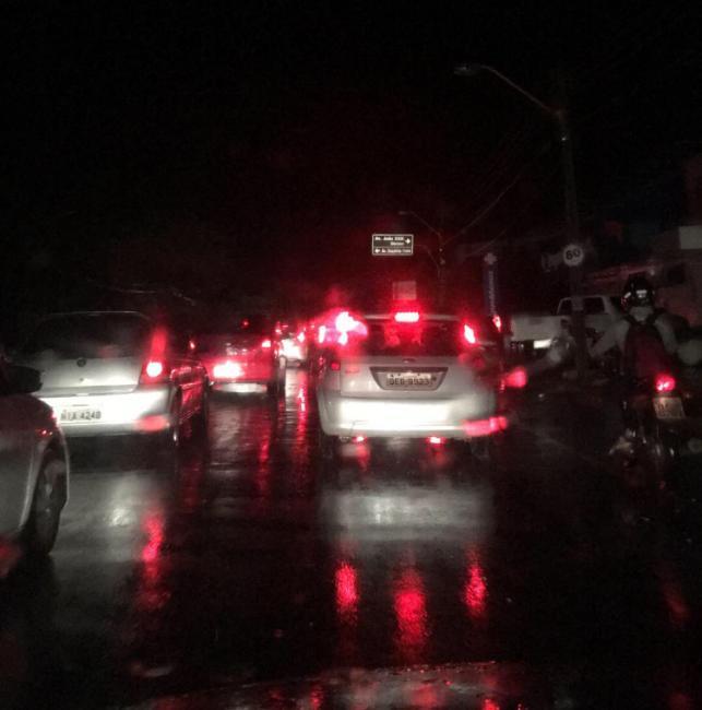 Strans alerta para riscos no trânsito com fortes chuvas