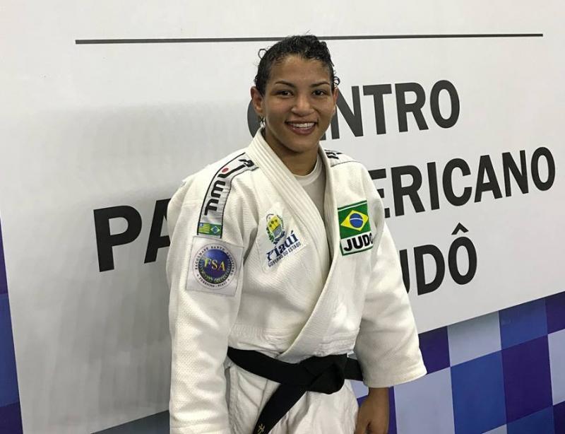 Atleta piauiense Sarah Menezes conquista medalha na Turquia