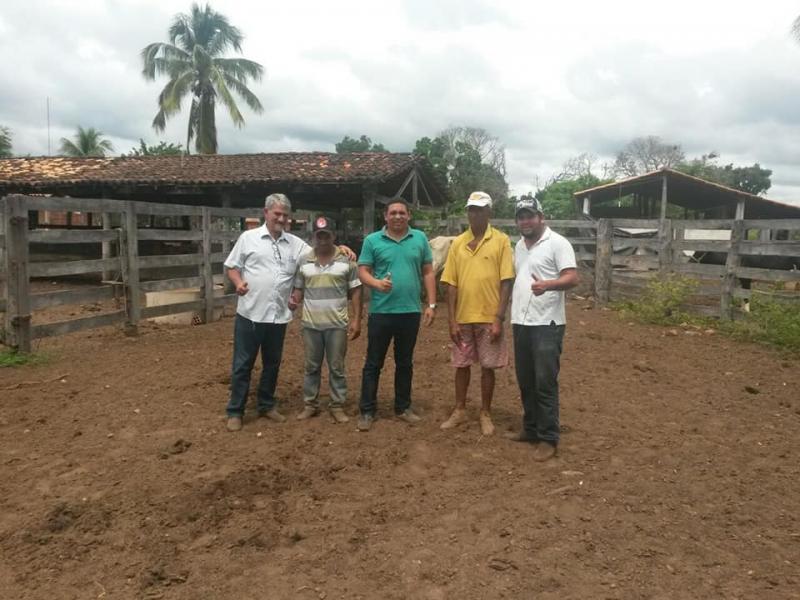 """Secretaria municipal de Desenvolvimento Rural realiza projeto """"Mais Leite"""""""